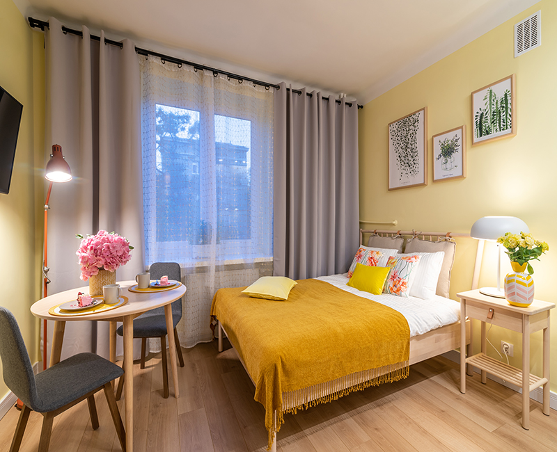 sloneczne airbnb-good vibes interiors